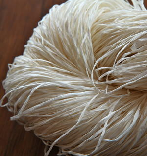 Japanese paper yarn with silk 700m